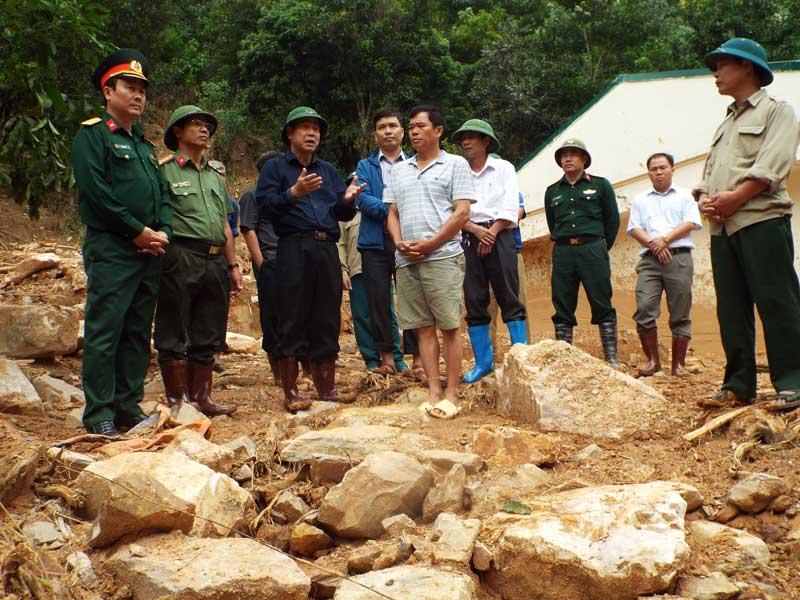 Chủ tịch UBND tỉnh Nguyễn Văn Quang chỉ đạo khắc phục hậu quả mưa lũ tại xã Suối Nánh và Đồng Ruộng