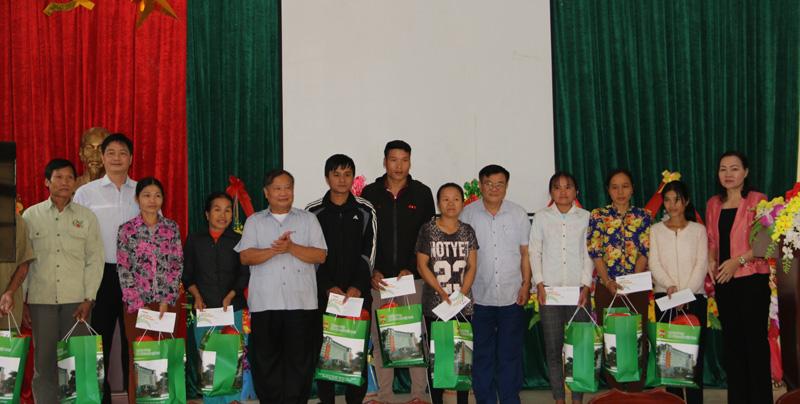 Đoàn công tác Trung Ương Hội Nông dân Việt Nam làm việc với Hội Nông dân tỉnh