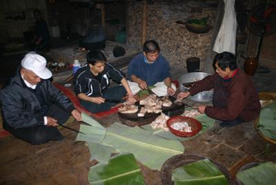 dt 23220111414 6 Tục lệ dân tộc Mường : Lễ Mát Nhà