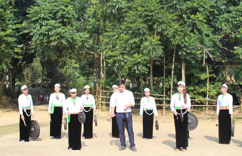 Huyện Cao Phong phát triển du lịch cộng đồng