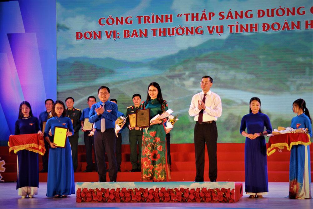 Gặp mặt các thế hệ tham gia Công trường Thanh niên Cộng sản và tuyên dương các Công trình Thanh niên tiêu biểu