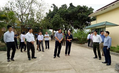 Thẩm định xã Yên Trị, huyện Yên thủy đạt chuẩn nông thôn mới