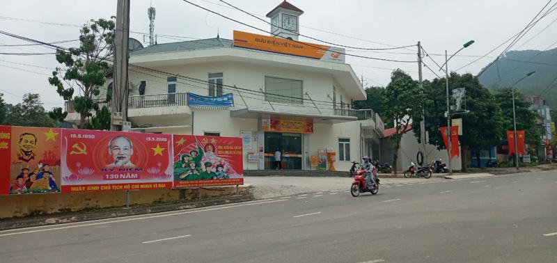 Kinh nghiệm nâng cao năng lực lãnh đạo ở Đảng bộ thị trấn Đà Bắc