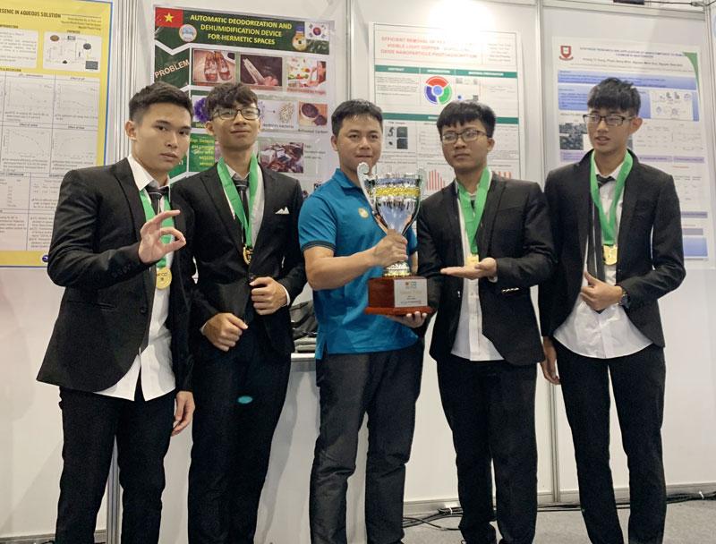Đoàn học sinh tỉnh ta giành HCV tại cuộc thi Olympic Phát minh và Sáng chế Thế giới (WICO).