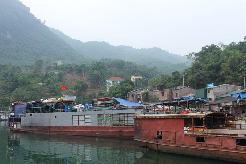 Thành phố Hòa Bình nâng cao vị trí kinh tế du lịch vùng hồ