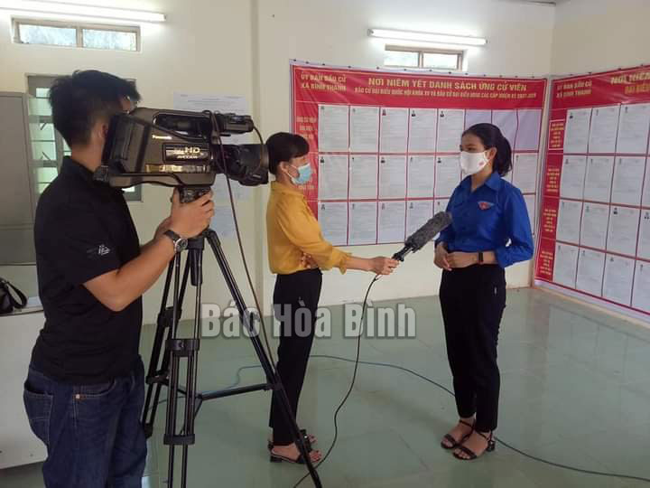 Xóa nghèo về thông tin - cách làm mới ở huyện Cao Phong