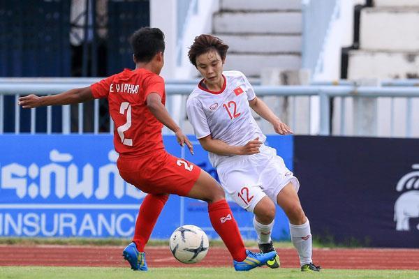 Tuyển nữ Việt Nam rộng cửa vào chung kết AFF Cup