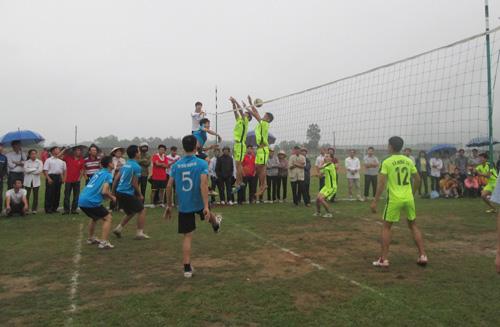 Khởi sắc thể thao huyện Lạc Thủy