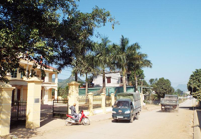 Cán bộ, đảng viên tạo sức lan tỏa trong xây dựng nông thôn mới ở huyện Cao Phong