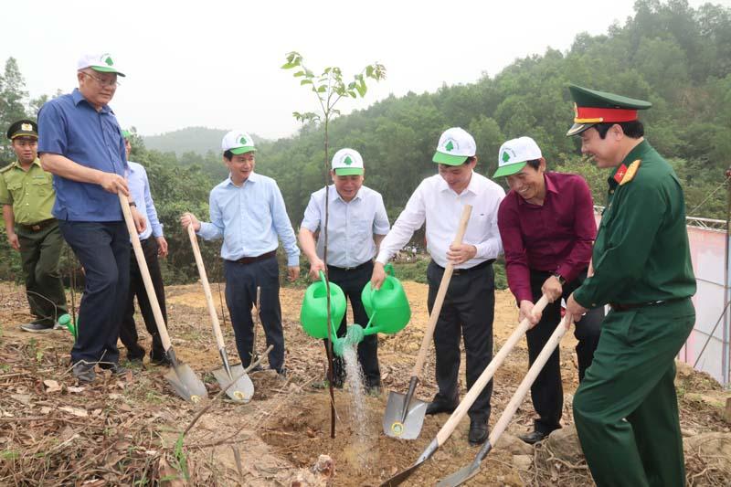 """Lễ phát động hưởng ứng Chương trình trồng 1 tỷ cây xanh """"Vì một Việt Nam xanh"""""""